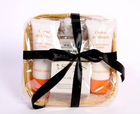 cesta regalo cosméticos apícolas